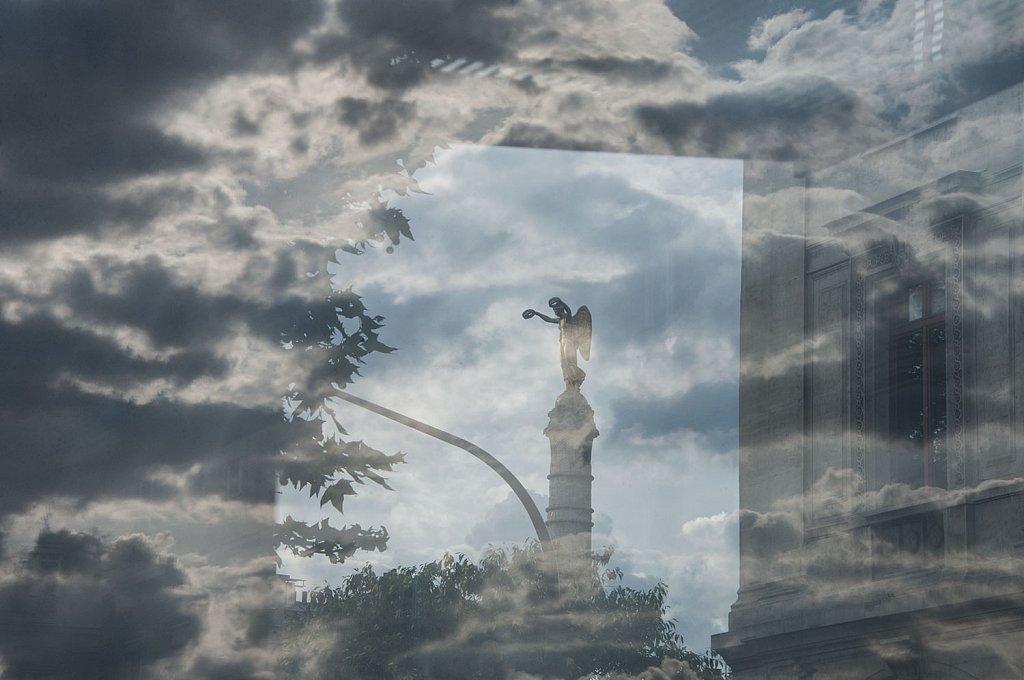 reflet-statueW1.jpg
